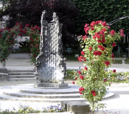 Square Rene Viviani, Paris