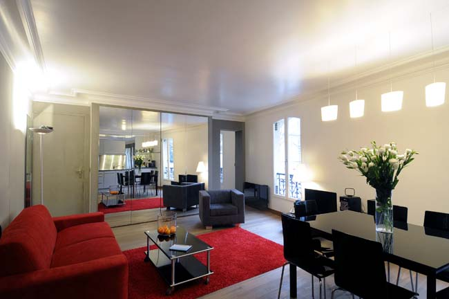 Montmartre Apartment Living Room