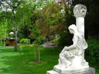 Garden of Arena de Lutece, Paris