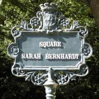 Square Sarah Bernhardt, Paris