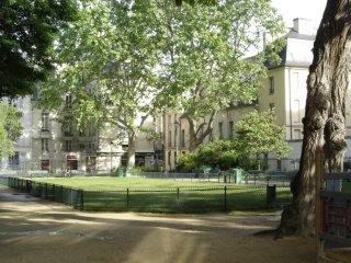 Square Leopold Achille, Paris