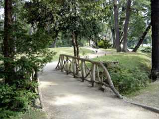 Bois de Boulogne pathway bridge, Paris
