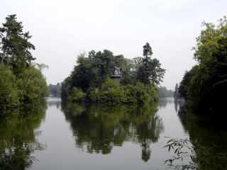 Bois de Boulogne island, Paris