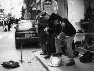 paris street musicians